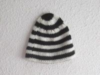 Bonnet rayé noir et blanc