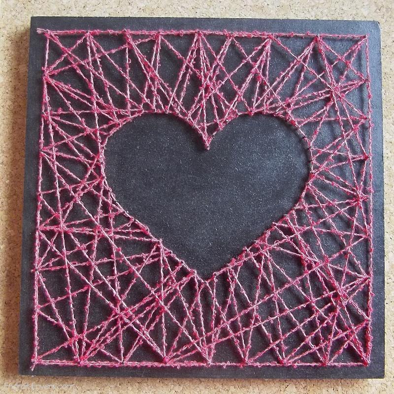 tableau c ur rose en fils tendus string heart string art. Black Bedroom Furniture Sets. Home Design Ideas