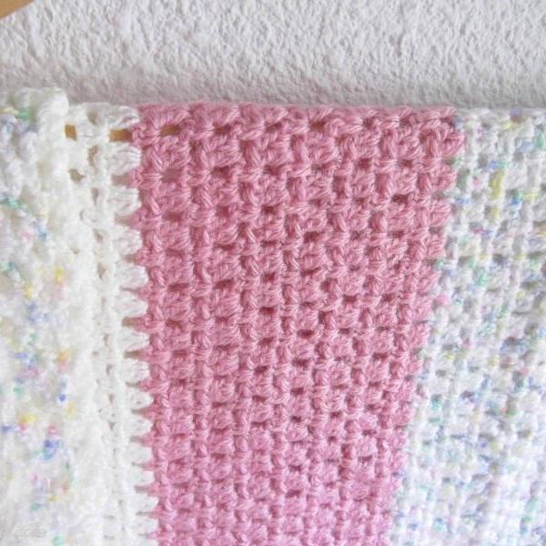Couverture en laine rayures rose et blanc