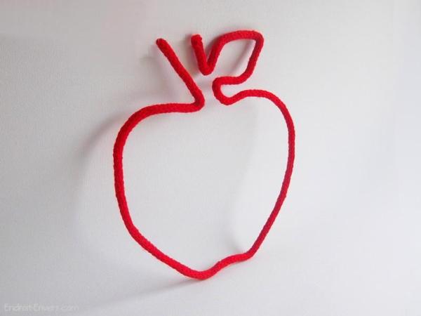 pomme rouge en tricotin